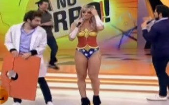 Brazilian Babe Dressed In Wonder Woman Body Paint