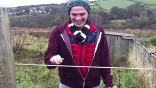 Hilarious Shock From Electric Fence